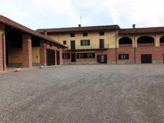 Foto 1 di Rustico / Casale Cascina Oviglia, Riva Presso Chieri