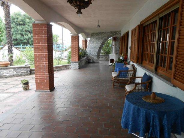 Foto 2 di Villa via Lago  14, Alice Castello