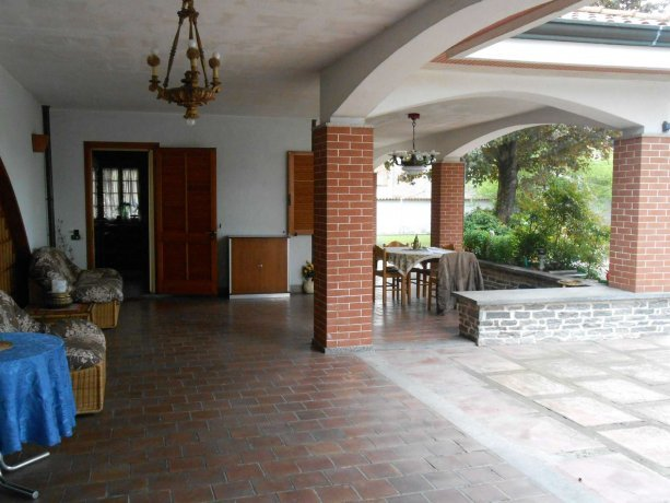 Foto 3 di Villa via Lago  14, Alice Castello