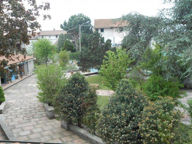 Foto 15 di Villa via Lago  14, Alice Castello