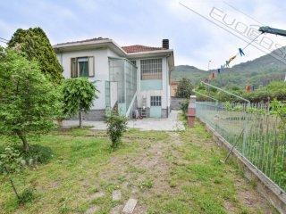 Foto 1 di Villa via Nazionale 390, Pinerolo