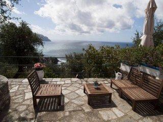 Foto 1 di Appartamento via Chiossa, Pieve Ligure