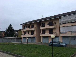 Foto 1 di Quadrilocale via Alba, Castagnito