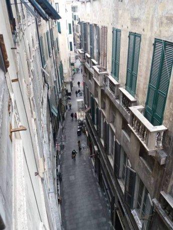 Foto 2 di Bilocale via Luccoli, Genova (zona Centro, Centro Storico)