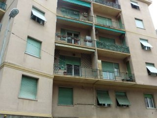 Foto 1 di Trilocale via Ausonia 9, Genova (zona Carignano, Castelletto, Albaro, Foce)