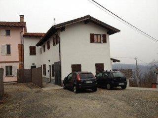 Foto 1 di Trilocale frazione castiglione, Asti