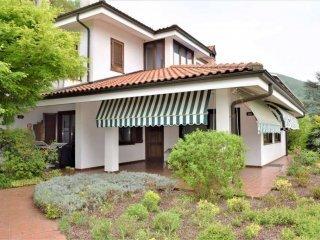 Foto 1 di Villa via Prej, 8, Bollengo