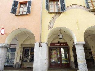Foto 1 di Negozio via Trento, Pinerolo