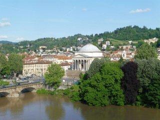 Foto 1 di Trilocale lungofiume Po Armando Diaz, Torino (zona Centro)