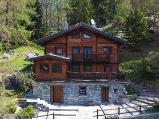 Foto 1 di Villa strada Frazione Montaz  22, frazione Maisonasse, Valtournenche