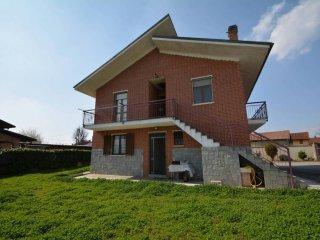Foto 1 di Villa via San Lorenzo 47, frazione San Michele E Grato, Carmagnola