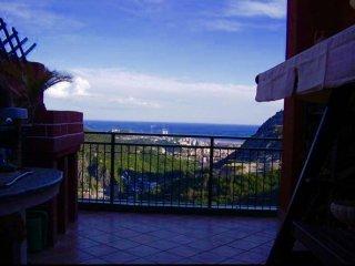 Foto 1 di Attico / Mansarda Via Monte Timone 7, Genova (zona Ponente)