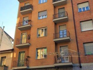 Foto 1 di Bilocale Via Tronzano 2, Torino (zona Barriera Milano, Falchera, Barca-Bertolla)