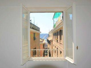 Foto 1 di Appartamento piazza De Marini, Genova (zona Centro, Centro Storico)
