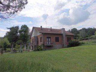 Foto 1 di Villa Località Viatosto, Asti