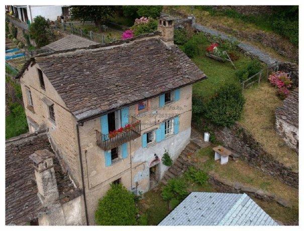 Foto 1 di Rustico / Casale via Roma 26, Falmenta