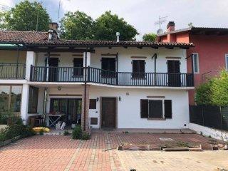 Foto 1 di Casa indipendente Località San Vincenzo Rossino, Monteu Roero