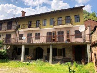 Foto 1 di Casa indipendente Corneliano D'alba