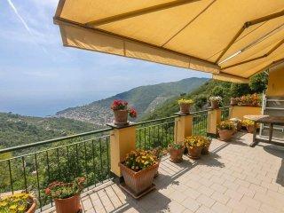 Foto 1 di Villa via della Ne', 40, Recco