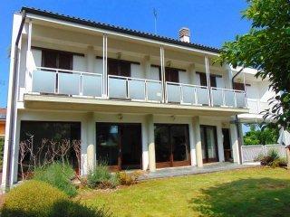 Foto 1 di Villa frazione Santa Croce, Vignolo