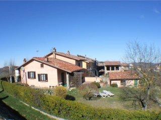 Foto 1 di Casa indipendente  Cerretto Langhe