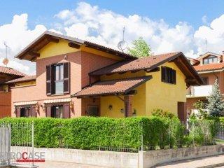 Foto 1 di Villa via Amerigo Vespucci, Santena