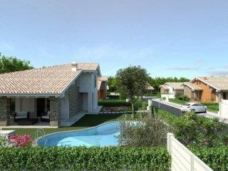 Foto 1 di Villa via Bell'Italia 37, Peschiera Del Garda