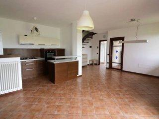 Foto 1 di Appartamento strada Torrazza, Parma