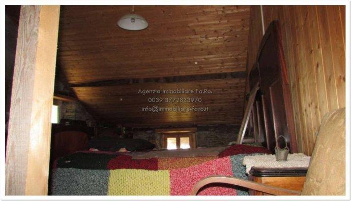 Foto 2 di Villa contrada San Mauro, frazione Trarego, Trarego Viggiona