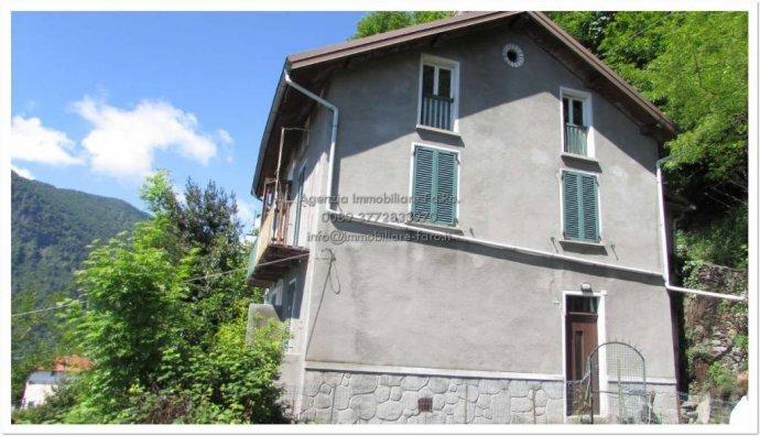 Foto 12 di Villa contrada San Mauro, frazione Trarego, Trarego Viggiona