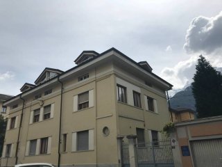 Foto 1 di Trilocale Rue de l'Archet, Aosta
