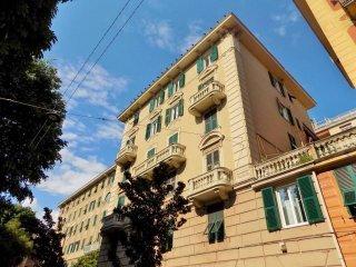 Foto 1 di Quadrilocale via Bolzaneto, Genova (zona Bolzaneto)