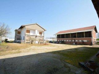 Foto 1 di Villa strada Vicinale D'Oja, Caramagna Piemonte
