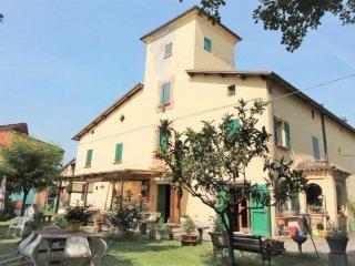 Foto 1 di Villa via Mezzocolle, Imola