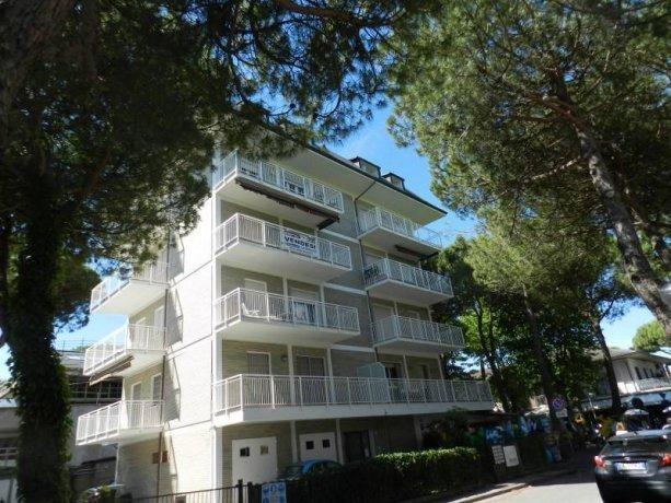 Foto 1 di Quadrilocale viale Gaspare Spontini, frazione Milano Marittima, Cervia