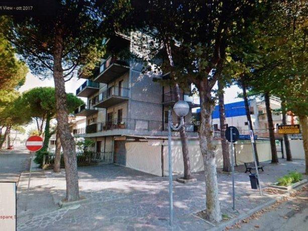 Foto 2 di Quadrilocale viale Gaspare Spontini, frazione Milano Marittima, Cervia