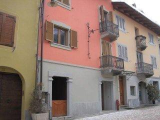 Foto 1 di Monolocale via Roma 33, Cesana Torinese