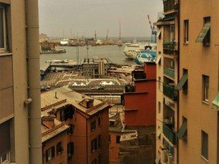 Foto 1 di Appartamento via Venezia, Genova (zona Oregina-Granarolo, Di Negro)