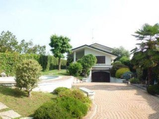 Foto 1 di Villa via Cesare Pavese, San Francesco Al Campo