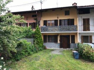 Foto 1 di Villa Via De Amicis, frazione Grange, Front