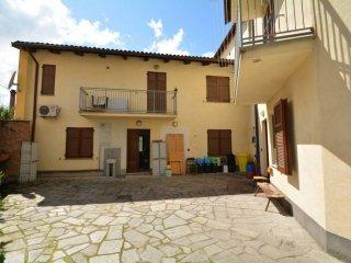 Foto 1 di Villa via Natale Fiorito, Valfenera