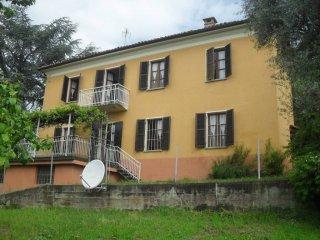 Foto 1 di Villa viale della Rimembranza 4, Isola D'asti