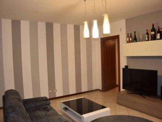 Foto 1 di Quadrilocale via Monterainero , 41, Asti