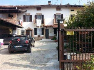 Foto 1 di Casa indipendente strada Monveglio, 11, Montechiaro D'asti