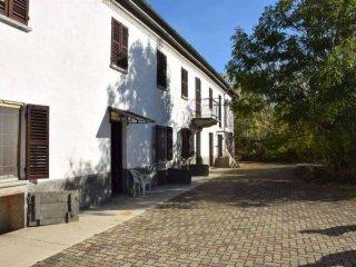 Foto 1 di Casa indipendente via Monta, 80, Portacomaro