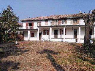 Foto 1 di Rustico / Casale Borgata Rocca , 19, Montiglio Monferrato