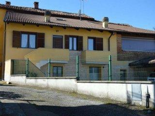 Foto 1 di Casa indipendente via Albarengo Basso , 4, Montiglio Monferrato
