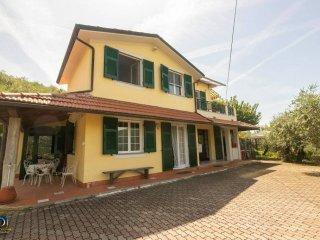Foto 1 di Villa via dei Caduti, 140, frazione San Bartolomeo, Leivi