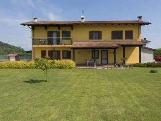 Foto 1 di Villa via Antica di Saluzzo, 1, Cavour