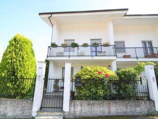 Foto 1 di Villa a Schiera via Bivio 0/3, Frossasco